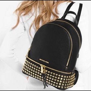 ✨GORGEOUS✨Michael Kors Pyramid Studded Backpack ✨